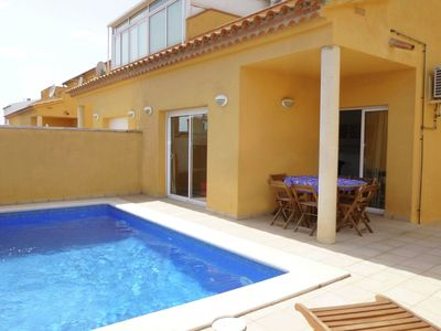 Photo for Sunny house with private pool and 3 bedrooms in Empuriabrava