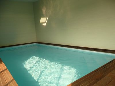 Photo for Villa 14 people indoor heated pool (open from April to November)