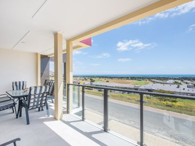 Photo for The Oasis - 6 Turnberry Drive, Links Lady Bay