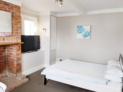 Photo for A big comfort private room in Central Auckland near to bus station