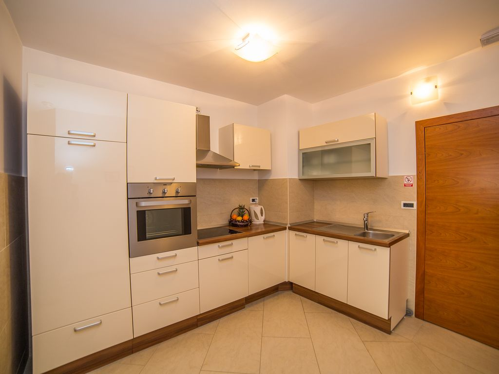 Luxury One Bedroom Apartment In Makarska A5 Grdak