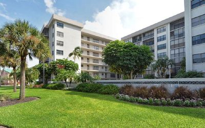 Photo for BEAUTIFUL LIDO KEY CONDOMINIUM STEPS AWAY FROM THE WHITE SANDY BEACH