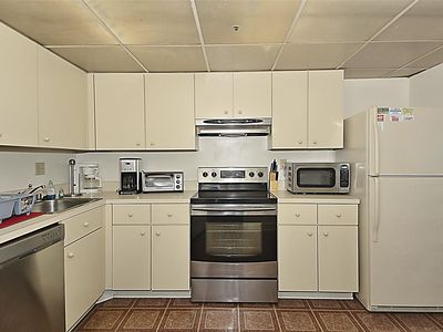 Photo for FREE DAILY ACTIVITIES!!! OCEAN VIEWS!!! Cute, Beachy 2 Bedroom Unit With an Ocean View!
