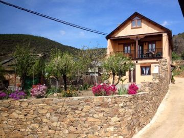 Self catering El Mirador del Bierzo for 6 people