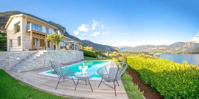 Photo for Villa D-Amore de luxe with Infinity-Pool in Mezzegra