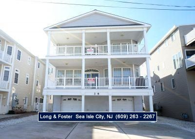Photo for This beachblock unit is close to beautiful beaches, shopping center, & Playground,