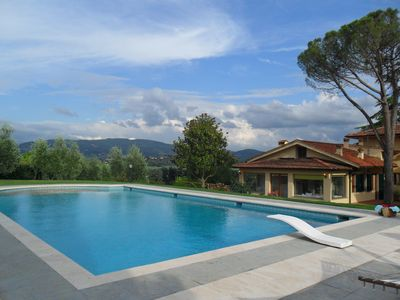 Photo for Beautiful Tuscan Villa with pool