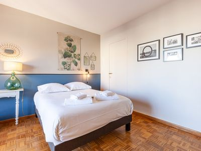 Photo for Beautiful apartment with stunning views of the rooftops of Marseille