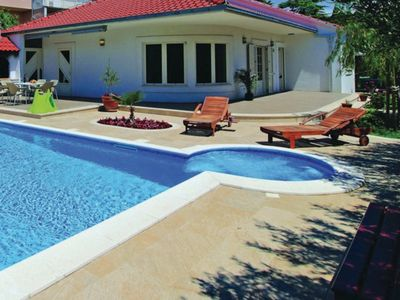 Photo for Swimming pool, Jacuzzi, billiard, piano - ideal for families