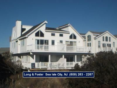 Photo for Beach access right next to house. Great Location close to shopping. Book this unit today!!