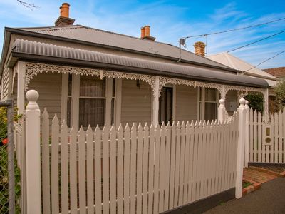 Photo for Furnished 3 bedroom house • 4km from Melbourne CBD • Amazing city skyline views