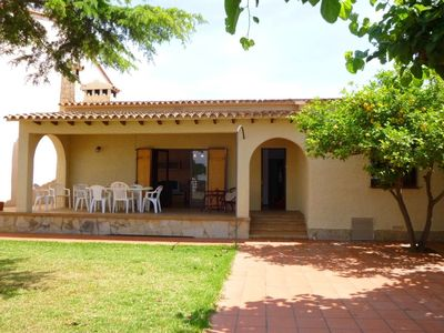 Photo for Spacious holiday home with enclosed garden in Empuriabrava