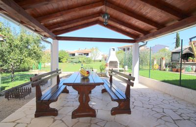Photo for Family-friendly, quiet location, near the beach, barbecue in the garden,