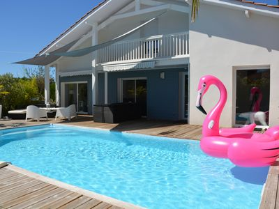 Photo for House with pool, 5 bedrooms, capacity from 6 to 10 people, near the beach