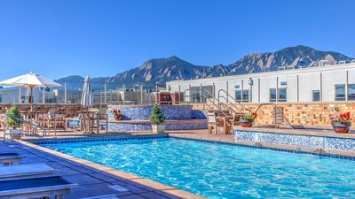 Photo for Rooftop Pool, Mountain Views! New Exec Rental @ The Upscale Peloton West