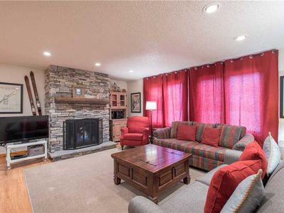 Photo for Nice Ski-in/Walk-out condo, sleeps 10, outdoor hot tub, free wifi, & parking.