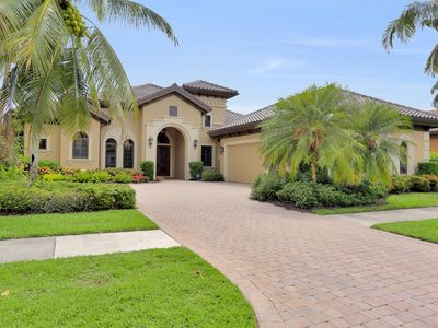 Photo for Luxury Estate Home - 3 Bed + Den / 3 Bath - Pool & Spa - Majors at Lely Resort