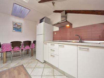Photo for Apartment Perica in Zadar - 4 persons, 1 bedrooms
