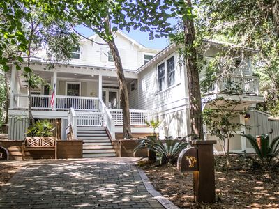Photo for Colonel's Cottage is a spacious 5BR/4.5BA home set in BHI's Maritime Forest!