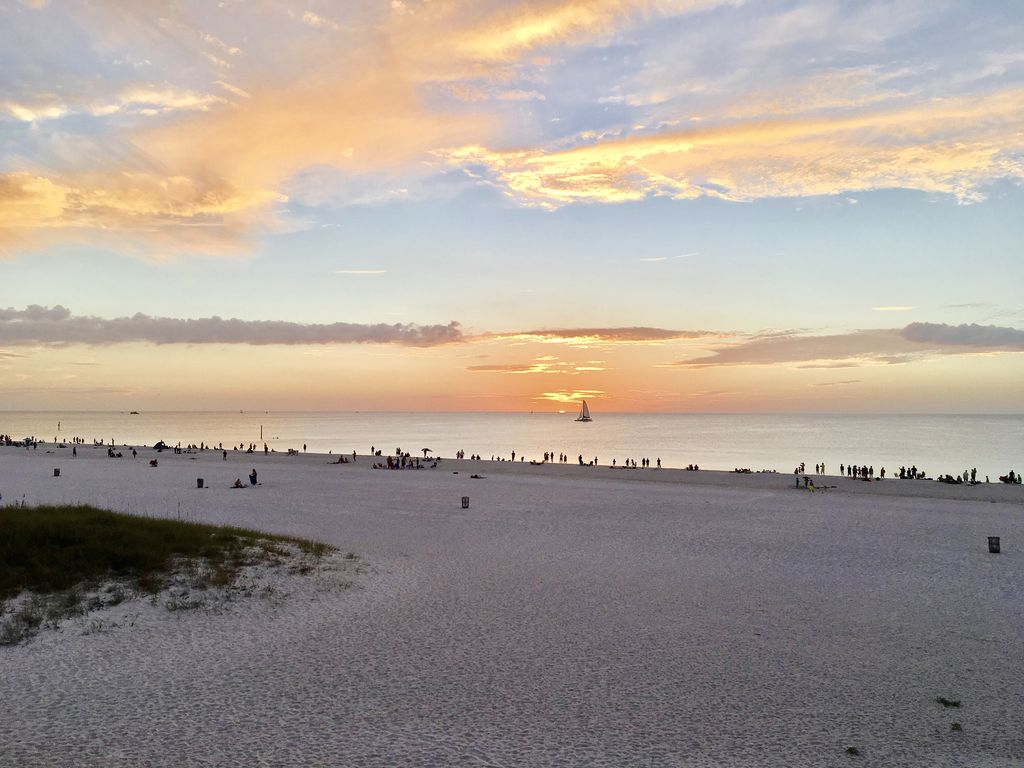 Great View Of The Beach Romance On The Beach Save S Clearwater Beach Florida North
