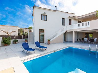 Photo for Villa  ✩ Traditional Interior Design ✩ Private Pool ✩ BBQ ✩ Sea View