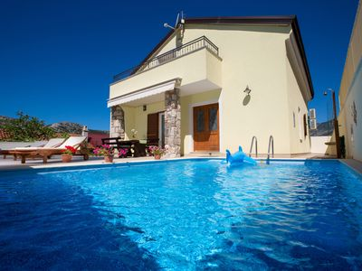 Photo for Rural luxury villa between sea and mountain with outdoor pool and whirlpool