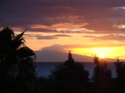 Photo for 2 Bed, 2 bath stunning ocean view, air conditioned, upgraded Kamaole Sands