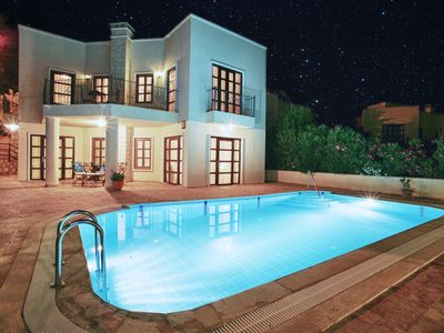 Photo for Beautiful Luxury Villa With Private Pool