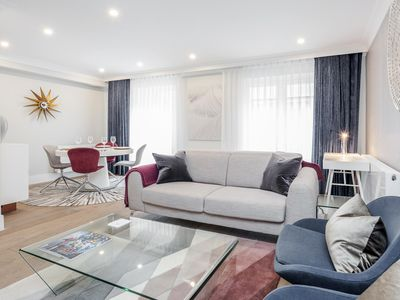 Photo for Mayfair Mews Suite No.1 - Central Luxurious 1 Bed