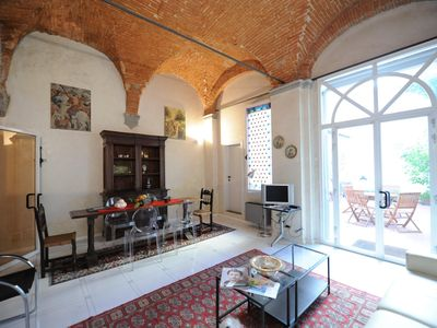 Photo for Spacious Gelsomino apartment in San Marco with WiFi & private terrace.