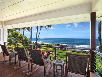 Photo for Hale Ilikai: OCEANFRONT VIEWS WITH AIR CONDITIONING-FABULOUS FAMILY LOCATION!