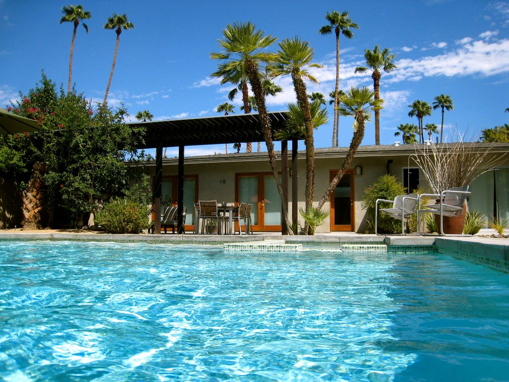 Zen Modern Home Wind Free S Palm Springs Vrbo