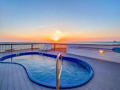 Photo for LV 2 Kite - Fresh 5 Bedroom SoundFront Home in Waves