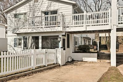 This quaint garden-level unit comfortably sleeps 3 with room for 1 more.