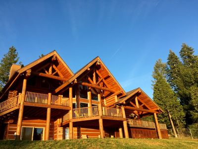 Photo for White Cloud Lodge in Tahoe National Forest: Entertainer's Dream, Surreal Views