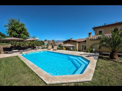Photo for Beautiful villa in a quiet area with pool 7 minutes from Mandelieu