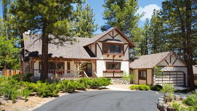 Photo for Beautiful Chalet-Style Home - Close to Everything!