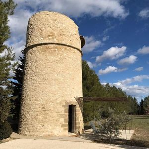 Photo for Unusual accommodation, Dovecote in the Luberon with Jacuzzi