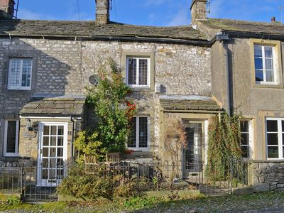 Photo for 2 bedroom property in Kettlewell. Pet friendly.