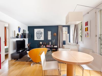 Photo for Spacious apartment in the heart of the Marais