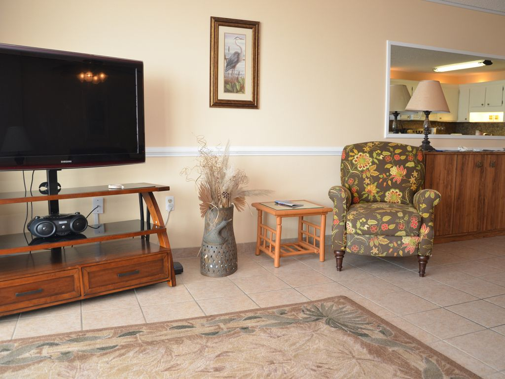 Get some extra room with our 2 bedroom suite royal for Home landscape design suite 8 0 link