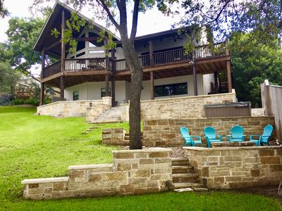 Beautiful lake side, wrap around seating, panoramic views, hot tub and fire pit