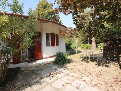Photo for Beautiful villa with independent entrance and garden and in Residence with pool