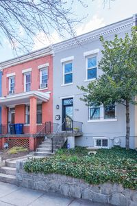 Classic Capitol Hill Rowhouse!