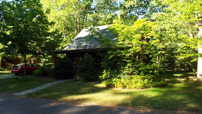 Front view of cabin.