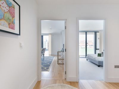 Photo for Lovely and newly refurbished one bedroom apartment by Portobello Road
