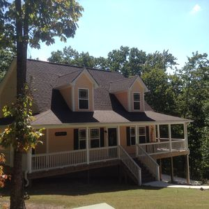Photo for Center Hill Lake, family/pet friendly custom home on 2 acre lot, 6-8 pers.