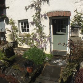 Crumble Cottage 5 star luxury Cartmel.