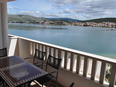 Photo for 2 bedrooms 4 to 5 people, terrace sea view, foot in the water, comfort