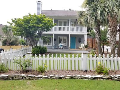 Photo for Airlie Road Cottage renovated with double front porches, palm trees and WiFi